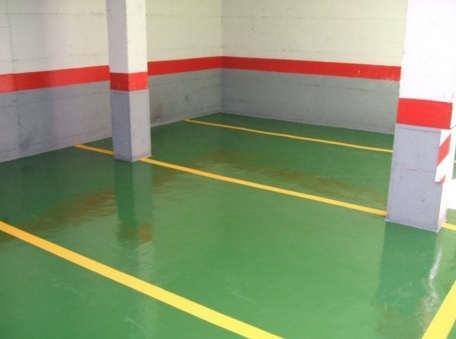 Garaje con pavimento nuevo